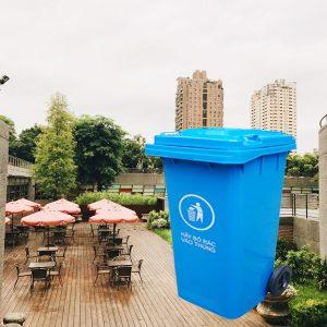 Thùng rác nhựa HDPE 240L màu xanh dương