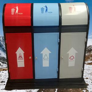Sử dụng thùng rác inox 3 ngăn giúp phân loại rác hiệu quả