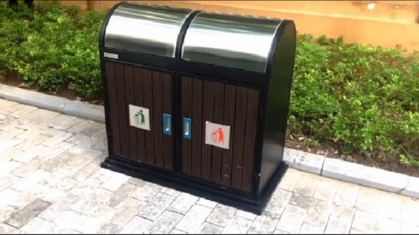 Thùng rác đặt nơi công cộng góp phần làm sạch cảnh quan